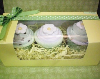Baby clothes cupcake Cupcake gift set bodysuits baby gift bunch size 3 months 3 bodysuits 3 wash cloths,mint green 7 pcs set handmade card