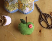 REDUCED PRICE ---  Apple brooch. Felt brooch/pin - green apple with a spotty button. Miniature food - apple jewellery.