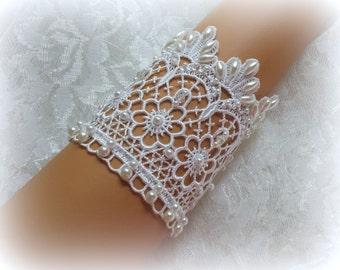 7 inch White Venice Lace Bridal Bracelet / Wedding Lace Bracelet / Bridal Wrist Cuff