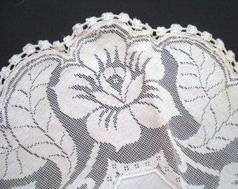 Superb Quality Antique Filet Lace Doily Roses Linen Center Would Make Perfect Gift