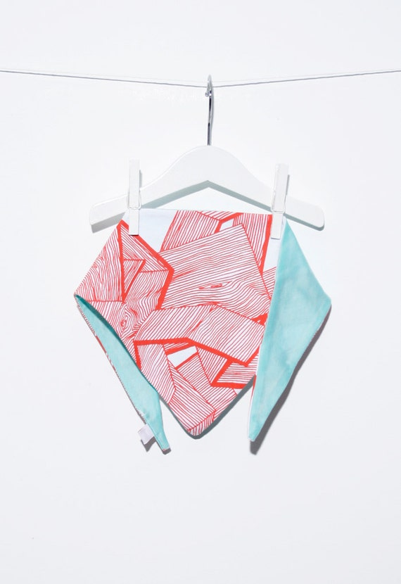 Triangular scarf with wood motif silk screen printing / triangle scarf with silkscreen wood-motifs