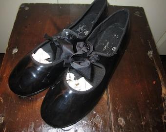 Vtg Girls Tap Shoes Size 2.5 ?