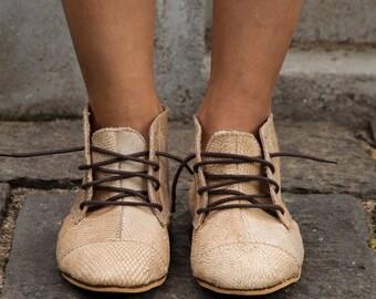 Morawala Tuna leather boots