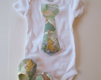 Vintage Style Short Sleeve Winnie the Pooh Tie Applique Onesie Matching Baby Booties Robin Eeyore Tigger Piglet Shower Gift Set
