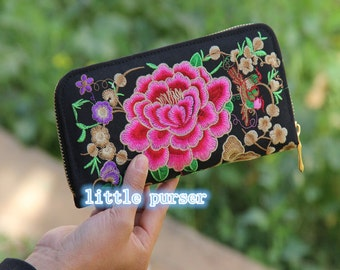 Vintage Wallet Hand Embroidered Clutch Folk style ladies embroidered bag retro classic Long Wallet Purse Compact Wallet