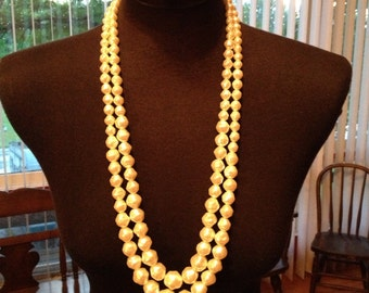 Vintage White Cascading Bauble Necklace