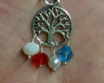 Family Tree pendant with necklace