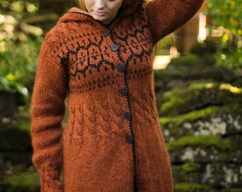 Handknitted sweater from pure Icelandic wool