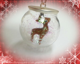Lovely deer in snowing glassball necklace