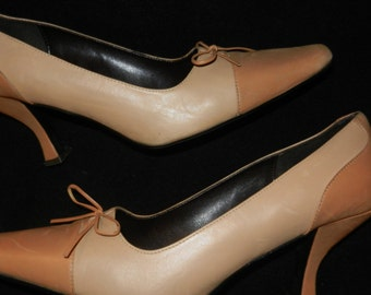 "Taupe Leather Pump 3"" Tapered Heel - Size 9M - Very Little Ware"