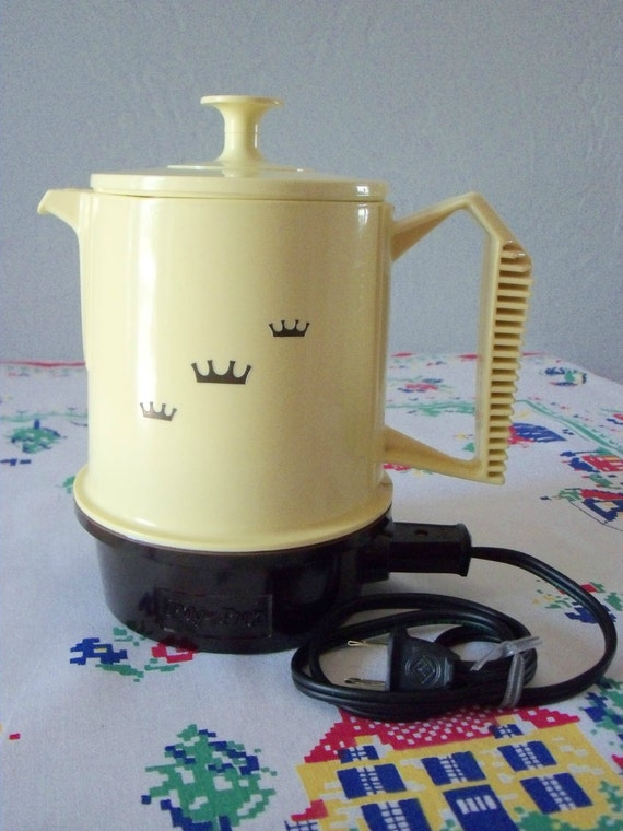 Vintage Regal Poly-Perk Electric Coffee Maker 4-8 by IcicleGarden