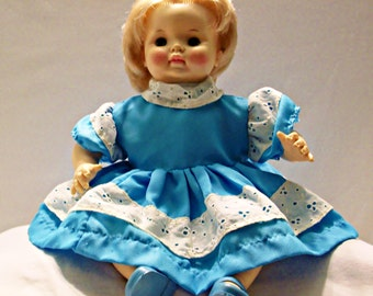 Effanbee Baby Doll from 1969 Blond hair and Green eyes