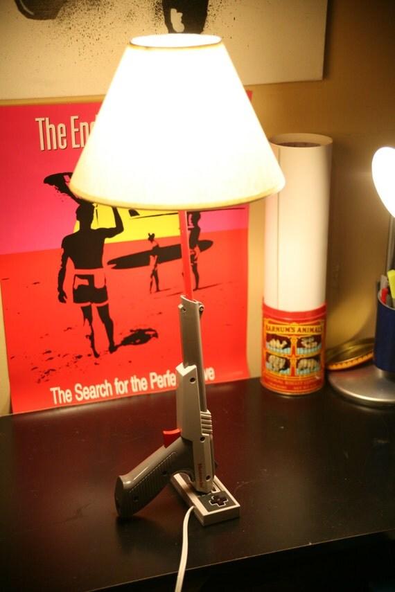 old school nintendo 1985 nes zapper gun desk or tabletop lamp. Black Bedroom Furniture Sets. Home Design Ideas