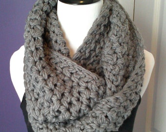 SUPER-CHUNKY Crochet Infinity Scarf-Heather Gray