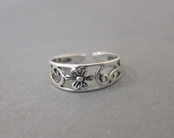 Adjustable Sterling Silver Open Flower Toe Ring, Also Midi Ring, knuckle Ring.