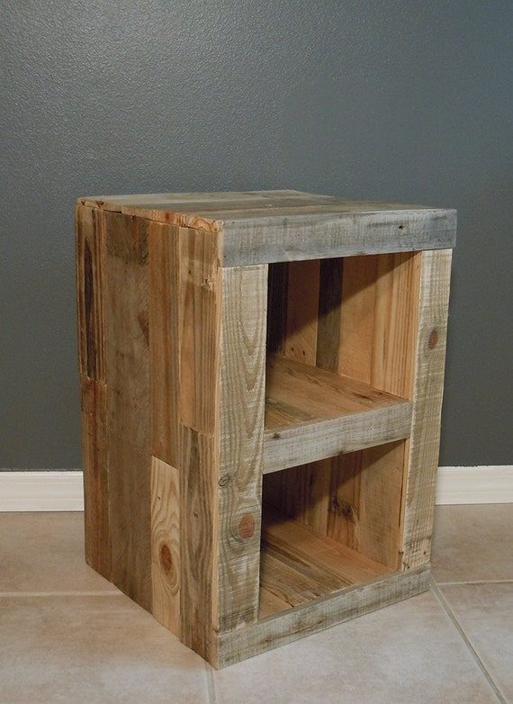 pallet nightstand side table reclaimed pallet wood. Black Bedroom Furniture Sets. Home Design Ideas