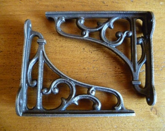 2 x Solid cast iron filigree vintage reproduction small shelf wall brackets