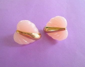 Vintage Gold Tone Pink Lucite Clip On Earrings