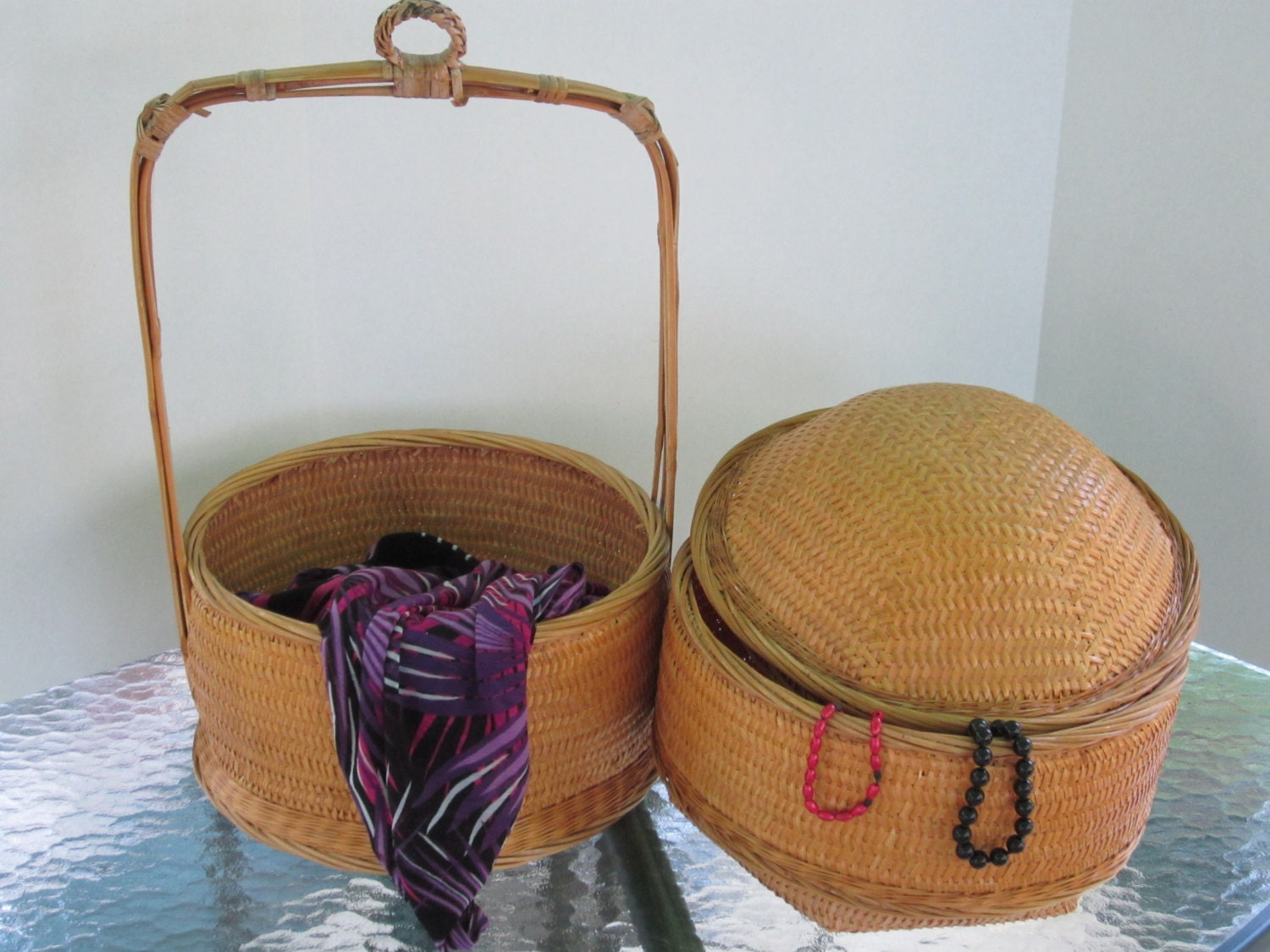 wicker baskets two large stackable baskets with domed lid and. Black Bedroom Furniture Sets. Home Design Ideas
