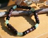 Wood jade bracelet // black glass jade bead stretch bracelet