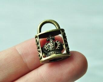 5pcs Antique Bronze 3D Crown Lock Charm Pendant Crown Pendant 24x17mm PP254