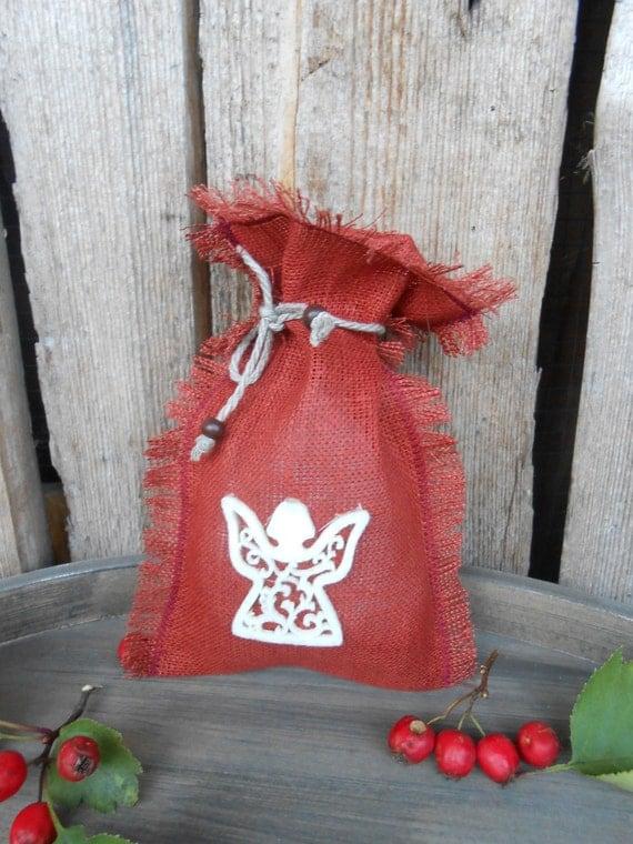 Christmas gift bags burlap sack burlap bag christmas decor for Burlap sack decor