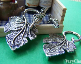 10 sets of Antique Silver Vine Leaf Toggle Clasps  A2800
