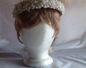 Lovely Vintage White Flowered Brim Summer Hat from 1950's