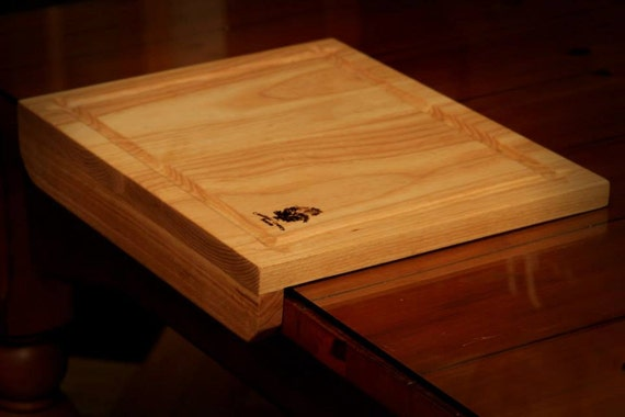 Counter Top Cutting Board with Non-Slip Ledge by CaulfieldBoards