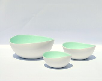 Bowl paper mache white opulence and soft mint panselinos