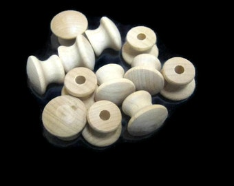 New Maple / Beech  -   -   Small Wood Pull Knob      2014893 - B47