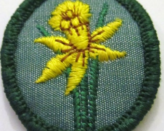 "Vintage Girl Scout Troop Crest ""Daffodil"" circa 1960's"