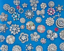 30 mix rhinestone buttons - wholesale bulk buttons lot - gold silver rhinestone metal pearl enamel buttons - metal shank buttons bulk lot