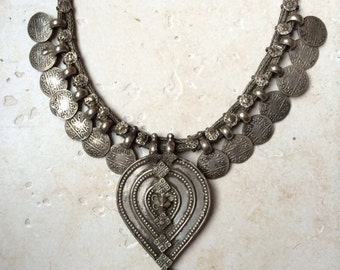 Ethnic silver necklace with amazing pendant from India