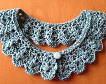 Vintage style crochet collar