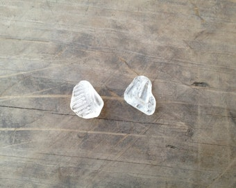 Patterned clear beach glass