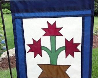 Carolina Lily Garden Flag