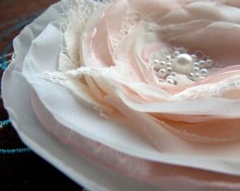 Blush wedding bridal hair flower, bridal hair accessory, bridal fascinator, wedding headpiece, wedding hair accessories, flower hair clip.