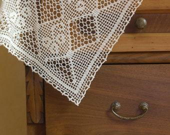 Filet ecru elegant crochet table runner or doily for the livingroom, italian doilies, coffee table