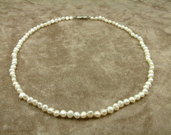 White Pearl Necklace 4.5 - 5 mm (Κολιέ με Λευκά Μαργαριτάρια 4.5 - 5 mm)
