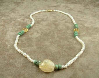 White Pearl Necklace with Citrine and Jade (Κολιέ με Λευκά Μαργαριτάρια, Κιτρίνη και Ζαντ)