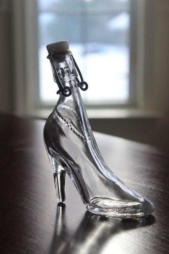 Depose Kefla Glass Ladies Shoe Decanter Bottle