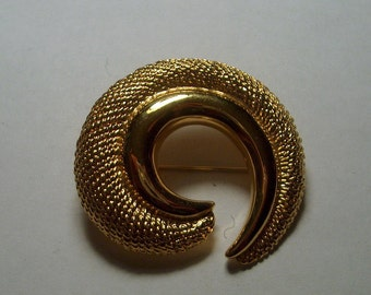Napier Signed Vintage Costume Jewelry  Swirl Brooch Pin
