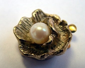 Gold and glass pearl flower box clasp - 2 pieces
