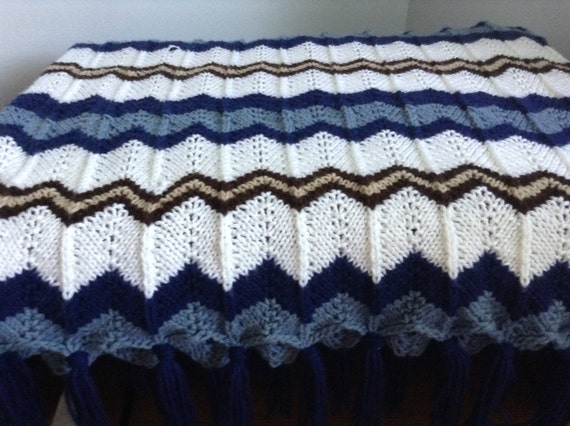 Knit Ripple Afghan Pattern : Items similar to Beautiful knit ripple pattern afghan on Etsy