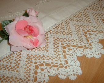 Filet crochet lace for trim-made in zig zag. White cotton lace. Crochet casa romantica. Made to order