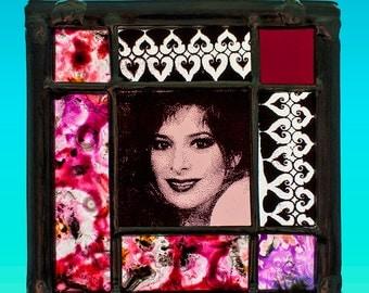 Mylene Farmer, Mylene Farmer stained glass, Mylène Farmer portrait, Mylène Farmer vitrail, stained glass unica, suncatcher Mylène Farmer