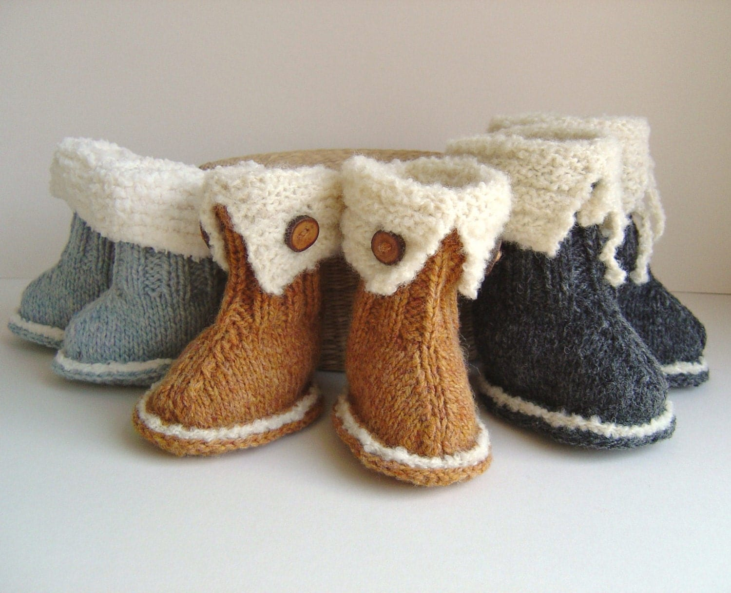 Girls Knitted Hat Pattern : Baby Ugg Booties Knitting Pattern