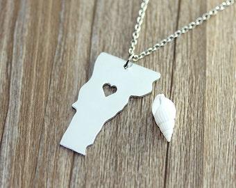 I heart Vermont Necklace - Vermont Map Pendant - State Necklace - State Charm - Map necklace - Map Jewelry