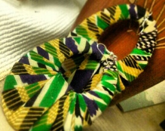 this is an african kente cloth  earing that is very colorful.